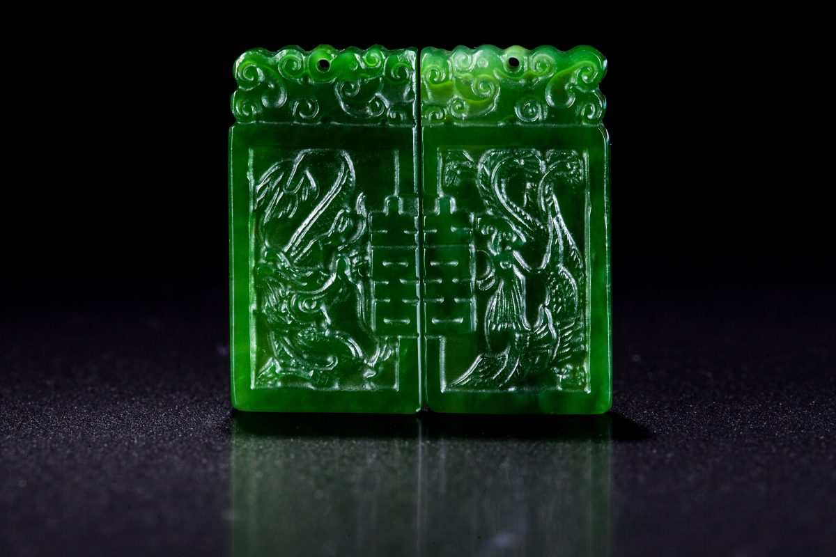 Green imperioal jade hand carving